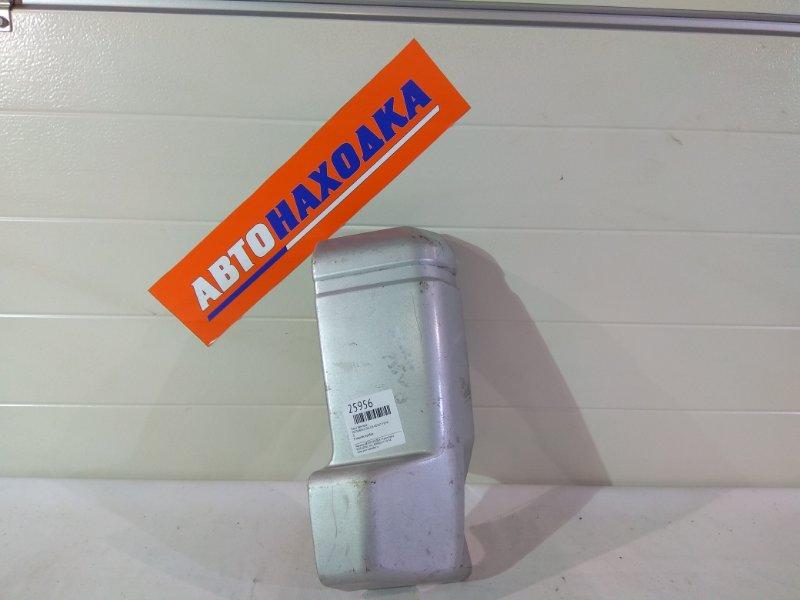 Клык бампера Mitsubishi Delica P35W 4D56T 0 R задний,серебро