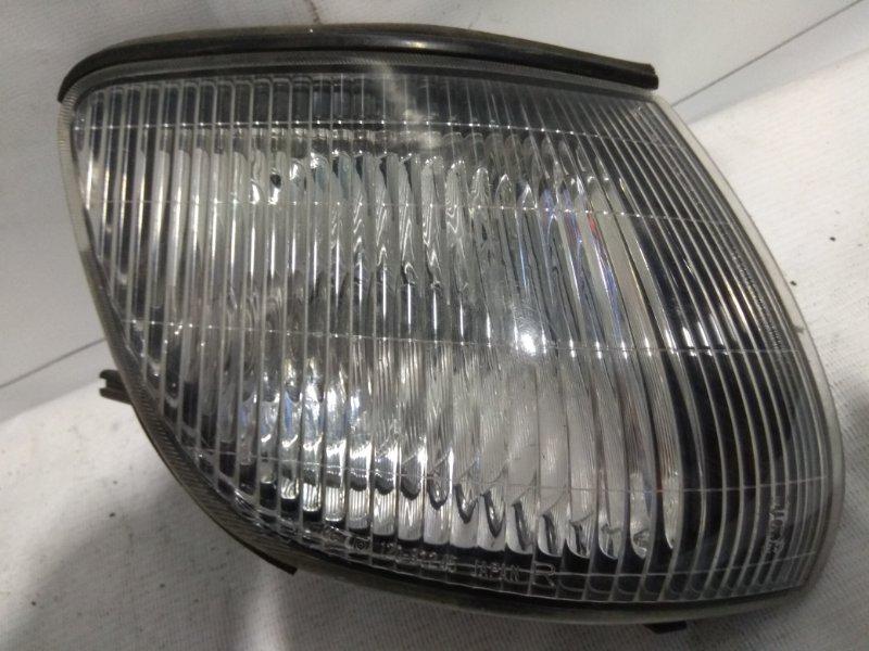 Фонарь габаритный Mitsubishi Delica Space Gear PD8W передний правый 120-87245 R=РА5W #небольшой скол на