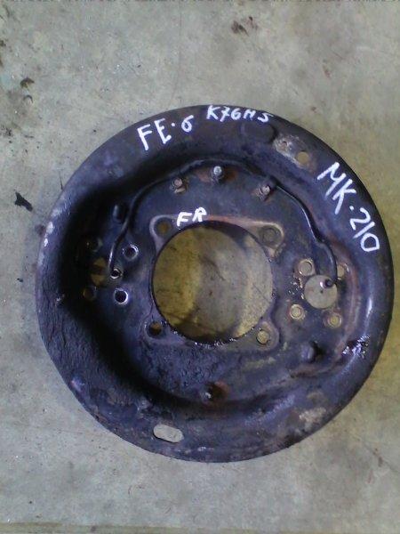 Щиток тормозного диска Nissan Diesel MK210 FE6 1993 передний правый FR кожух ступицы с трубкой