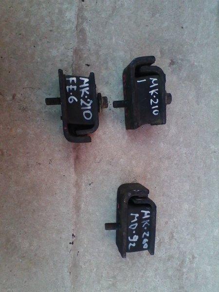 """Подушка двигателя Nissan Diesel MK210 FE6 1993 передняя боковая R=L, состояние """"на 3"""""""