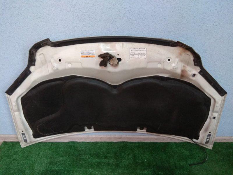 Обшивка капота Honda Edix BE1 D17A Штатная, без механических повреждений.
