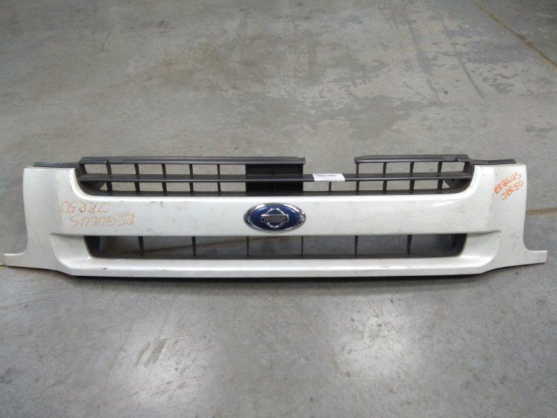 """Решетка радиатора Nissan Terrano Regulus JRR50 QD32ETI 1996 белая, REGULUS-своя, под капот с """"ребрами"""" / с"""
