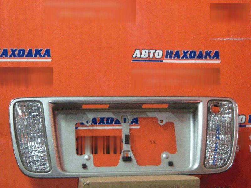 Рамка для номера Toyota Progres JCG15 1JZ-GE задняя 76801-51011