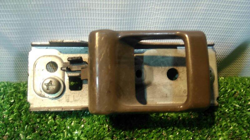 Ручка внутренняя Nissan Safari WGY60 TD42T передняя левая
