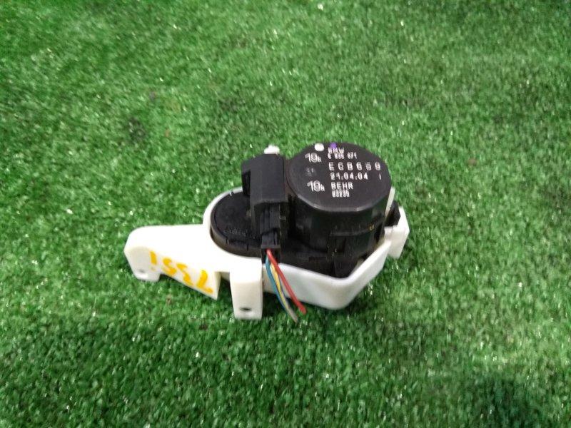 Привод заслонок отопителя Bmw 735I E65 N62 B36A 2001 задний левый 64116935071 заслонки левый задний