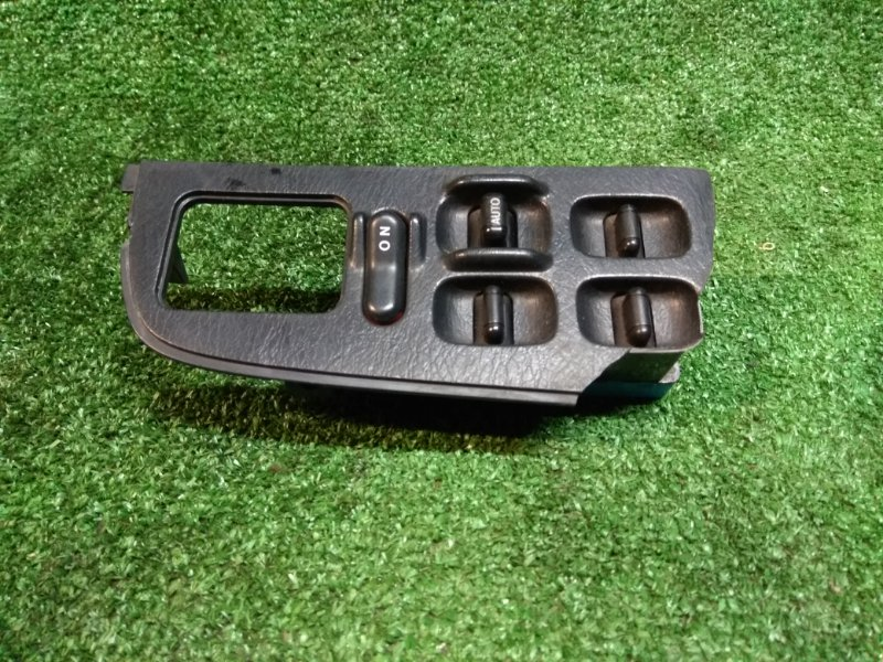 Блок управления стеклоподъемниками Honda Ascot CE4 G20A передний правый FR /сломана облицовка/