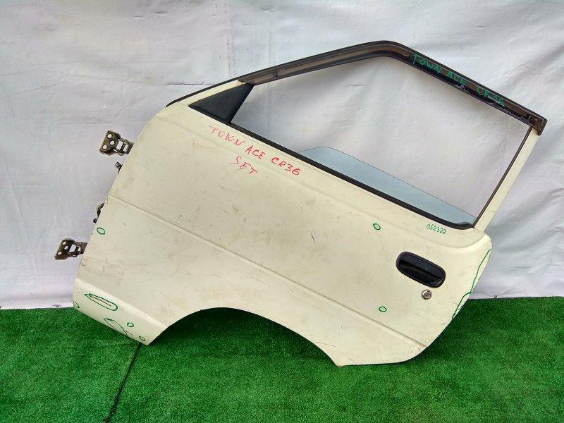 Дверь Toyota Townace CR36V 2C 1985 передняя левая