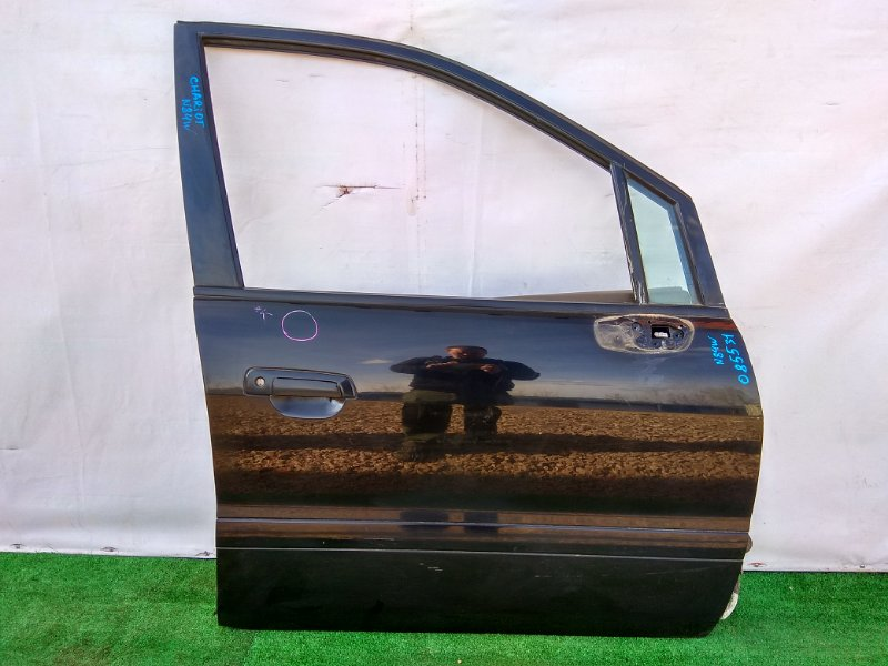 Дверь Mitsubishi Chariot Grandis N84W 4G64 передняя правая