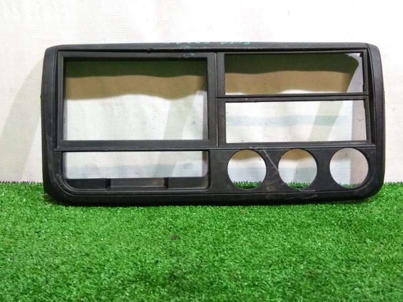 Консоль магнитофона Mitsubishi Fuso Canter FBA20 4P10 MK569140 ЦЕНТРАЛЬНАЯ РАМКА КЛИМАТ-КОНТРОЛЯ ,