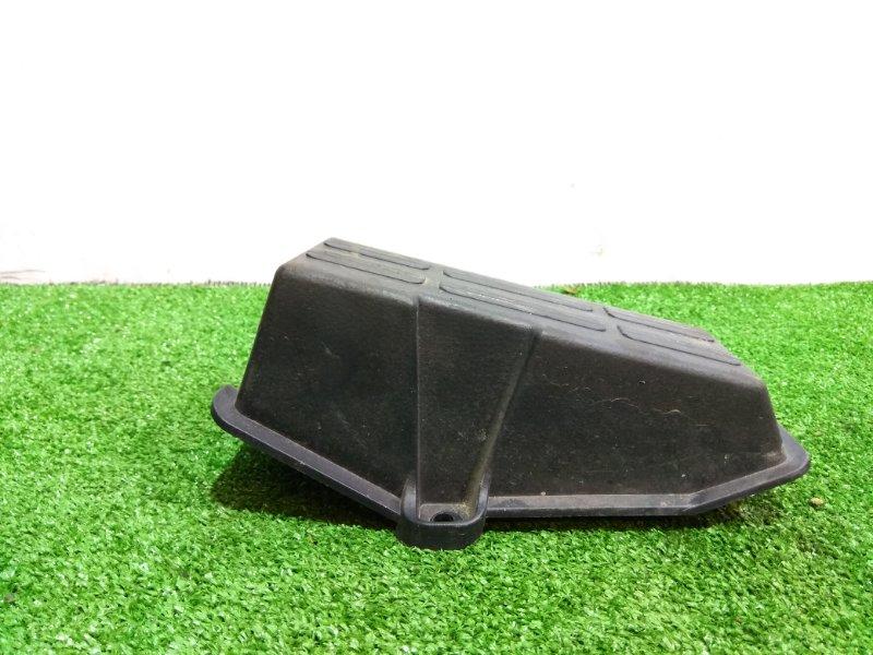Подставка под ногу Mitsubishi Fuso Canter FBA20 4P10 MK405848