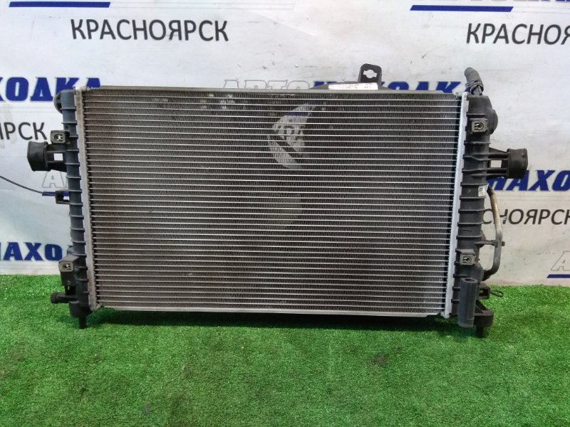 Радиатор двигателя Opel Astra H Z18XE 2004 A/T с диффузором и вентилятором