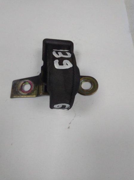 Подушка глушителя Toyota Camry ACV30 2AZ-FE 2001 задняя 17565-15140 с задней бочки, резиновая