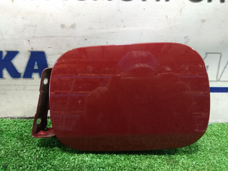 Лючок бензобака Mercedes-Benz E240 211.061 112.913 2002 красный титанит(код 567U) с крышкой (пробкой)
