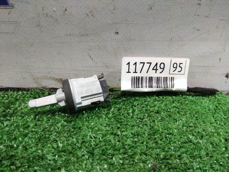 Датчик температуры Volkswagen Touareg 7LA AZZ 2002 1K0907543A Датчик температуры воздуха VAG В ПЕЧКУ