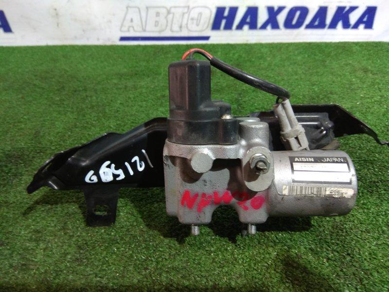 Распределитель тормозного усилия Toyota Prius NHW20 1NZ-FXE 2005 47270-47010 регулятор давления