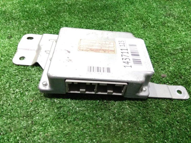 Компьютер Mazda Bongo SKF2V RF-T 1999 31036 UN30C на АКПП
