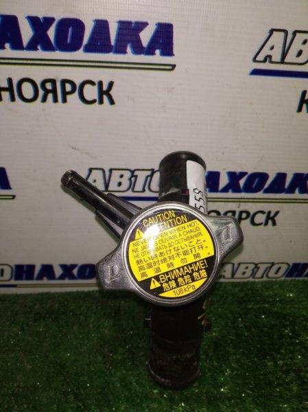 Крышка радиатора Toyota Spade NCP141 1NZ-FE 2012 с горловиной