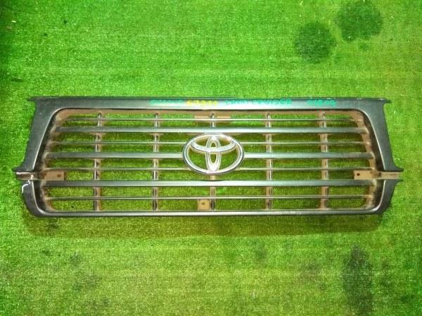 Решетка радиатора Toyota Land Cruiser FJ80G 1KZ-TE 53101-60120 / 130 / 140 ТРЕЩИНА ПО СЕРЕДИНЕ