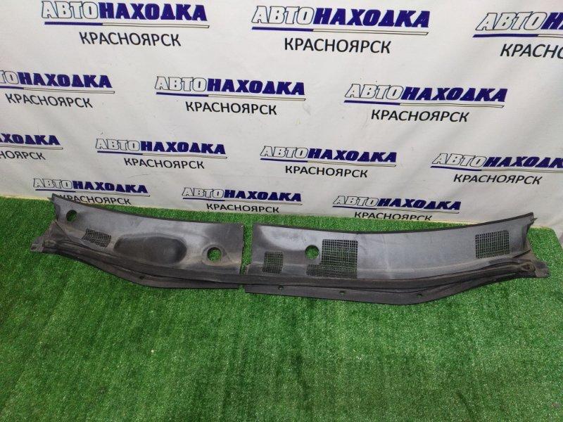 Решетка под лобовое стекло Toyota Harrier MCU10W 1MZ-FE 2000 2 части