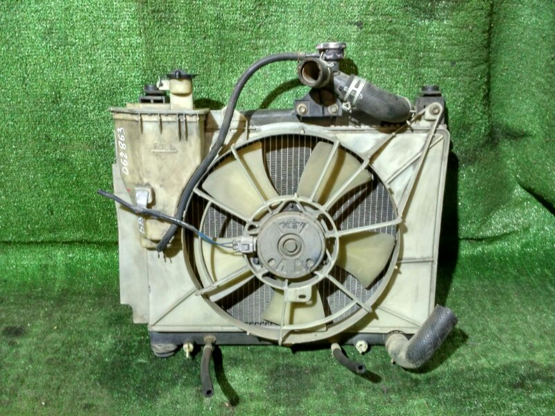 Радиатор двигателя Toyota Vitz NCP10 1NZ-FE AT, BB NCP35,