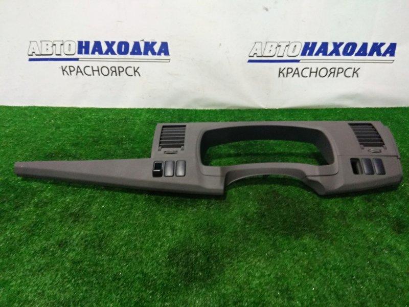 Козырек панели приборов Toyota Isis ANM10G 1AZ-FSE 2004 с дефлекторами обдува