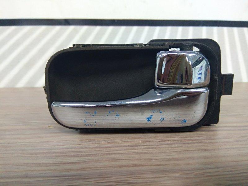 Ручка внутренняя Nissan Bassara U30 KA24DE правая перед=зад