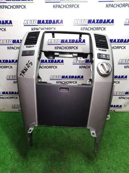 Консоль магнитофона Toyota Hilux Surf TRN215 2TR-FE 2002 под магнитолу, с переключателем привода