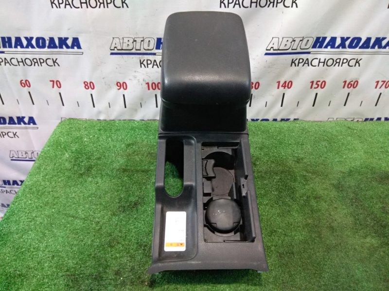 Подлокотник Suzuki Escudo TD54W J20A 2005 бардачок-подлокотник между передних сидений