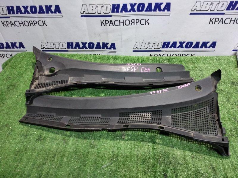 Решетка под лобовое стекло Mazda Axela BK5P 2 части