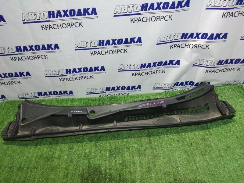Решетка под лобовое стекло Toyota Rav4 ACA36W 1AZ-FSE 2005