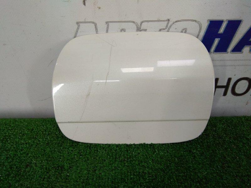 Лючок бензобака Toyota Crown GRS182 3GR-FSE 2003 белый перламутр (062)