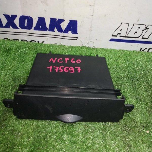 Пластик салона Toyota Ist NCP60 55521-52060