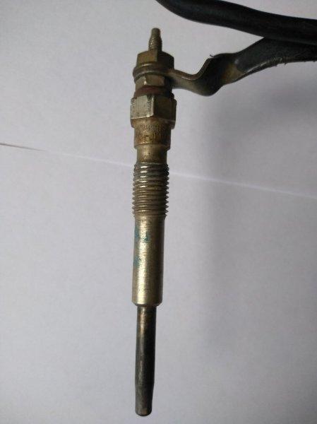 Свеча накаливания Toyota Caldina CT197V 3C-E 19850-64050 3C 97г- ок