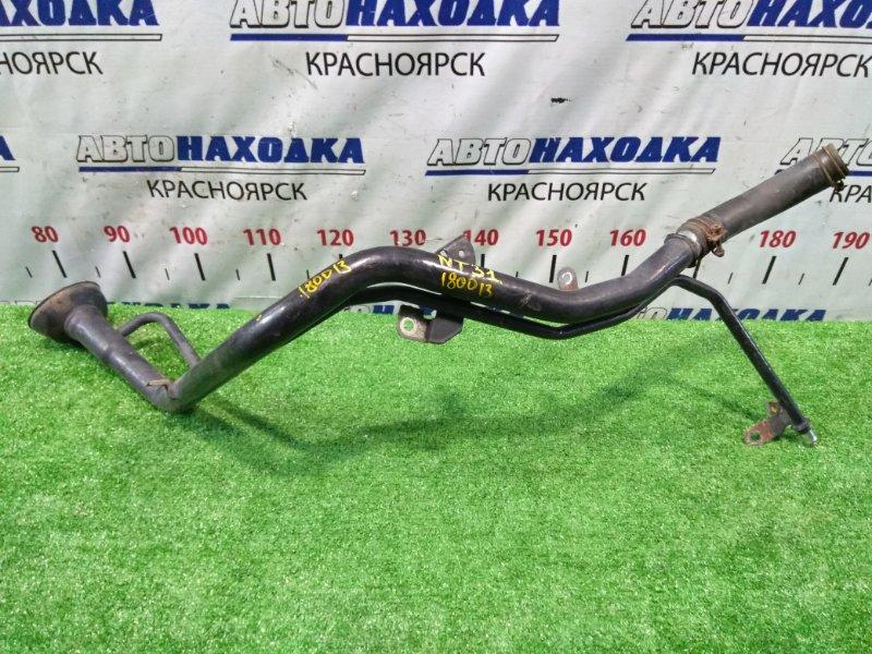 Горловина топливного бака Nissan X-Trail NT31 MR20DE 2007 17221JG000