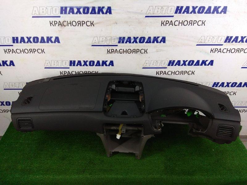 Панель приборов Subaru Forester SG5 EJ20 2002 Панель салонная (торпедо), черная, с заглушкой