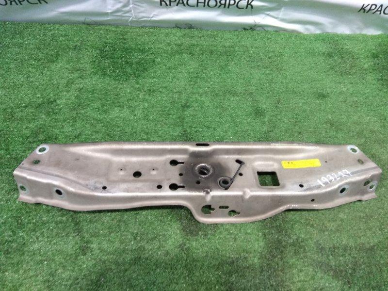 Рамка радиатора Opel Astra 35 Z18XE 2004 верхняя верхняя часть рамки радиатора