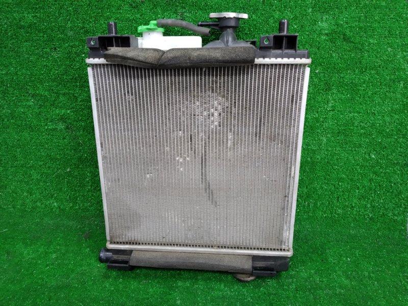 Радиатор двигателя Suzuki Mr Wagon MF33S R06A 2011 в сборе с диффузором и вентилятором, без