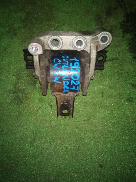 Подушка двигателя Mitsubishi Delica D:5 CV5W 4B12 передняя правая +КРОНШТЕЙН