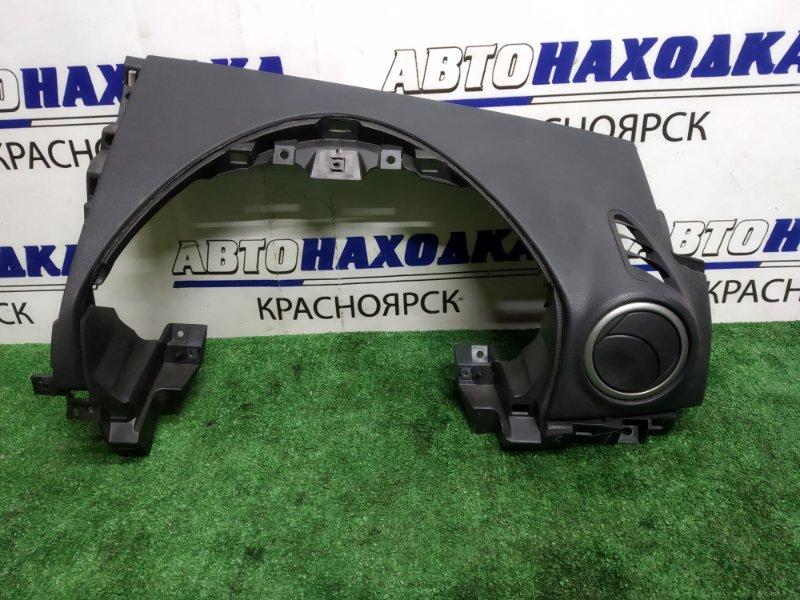 Пластик салона Mazda Axela BK5P Z вокруг щитка приборов
