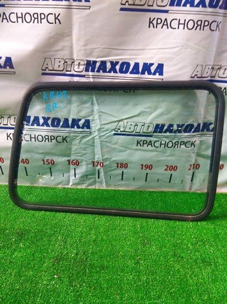 Стекло собачника Toyota Lite Ace KR42V 7K 1996 заднее правое RR с уплотнителем