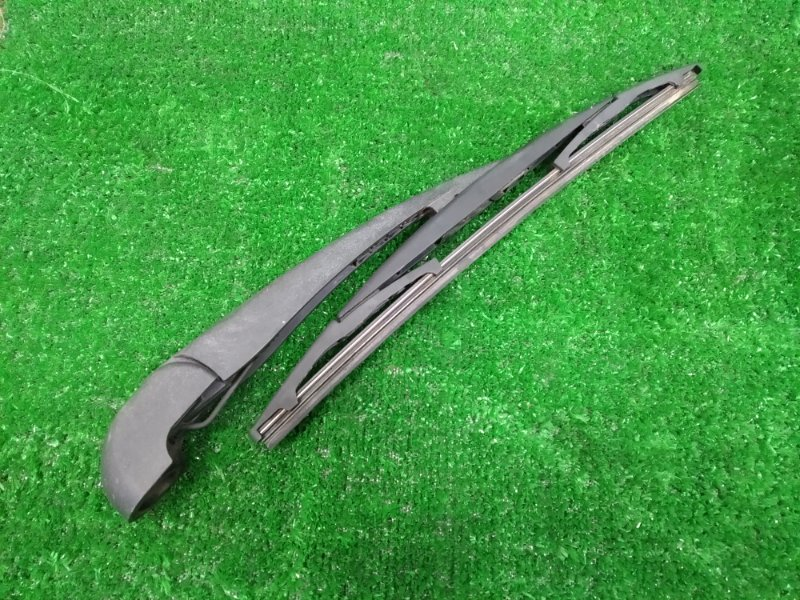 Щетка стеклоочистителя Nissan Lafesta B30 MR20DE 2004 задняя с двери багажника, пластиковая, в