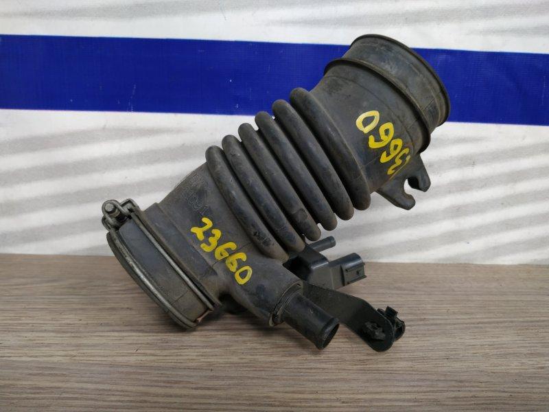 Патрубок воздушного фильтра Toyota Ractis NCP100 1NZ-FE 2005 17880-21091 на дроссель