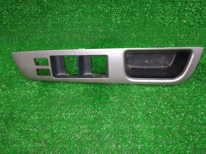 Накладка пластиковая в салон Nissan Tiida C11 HR15DE 2004 передняя правая передняя правая