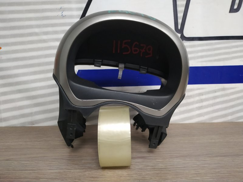 Кожух рулевой колонки Toyota Passo KGC10 1KR-FE 2004