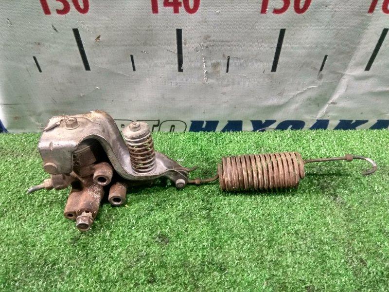 Регулятор давления тормозов Mazda Titan SYF6T RF 2000 задний с пружиной , с аукционного авто, 128,