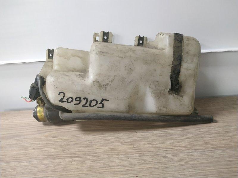 Бачок омывателя Mitsubishi Pajero V44W 4D56