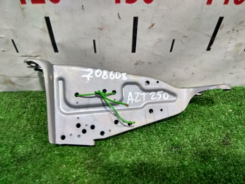 Крепление магнитофона Toyota Avensis AZT250W 1AZ-FSE 2003 пара L+R
