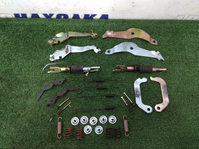 Механизм стояночного тормоза Toyota Voxy AZR65G 1AZ-FSE задний комплект