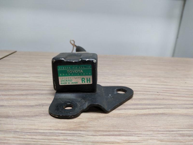 Датчик srs Toyota Progres JCG10 1JZ-GE 1998 передний правый 89173-51010