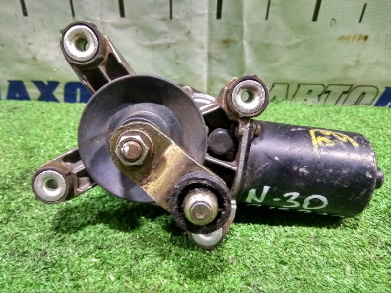 Мотор дворников Nissan R'nessa N30 SR20DE 1997 передний Передний моторчик, без трапеции